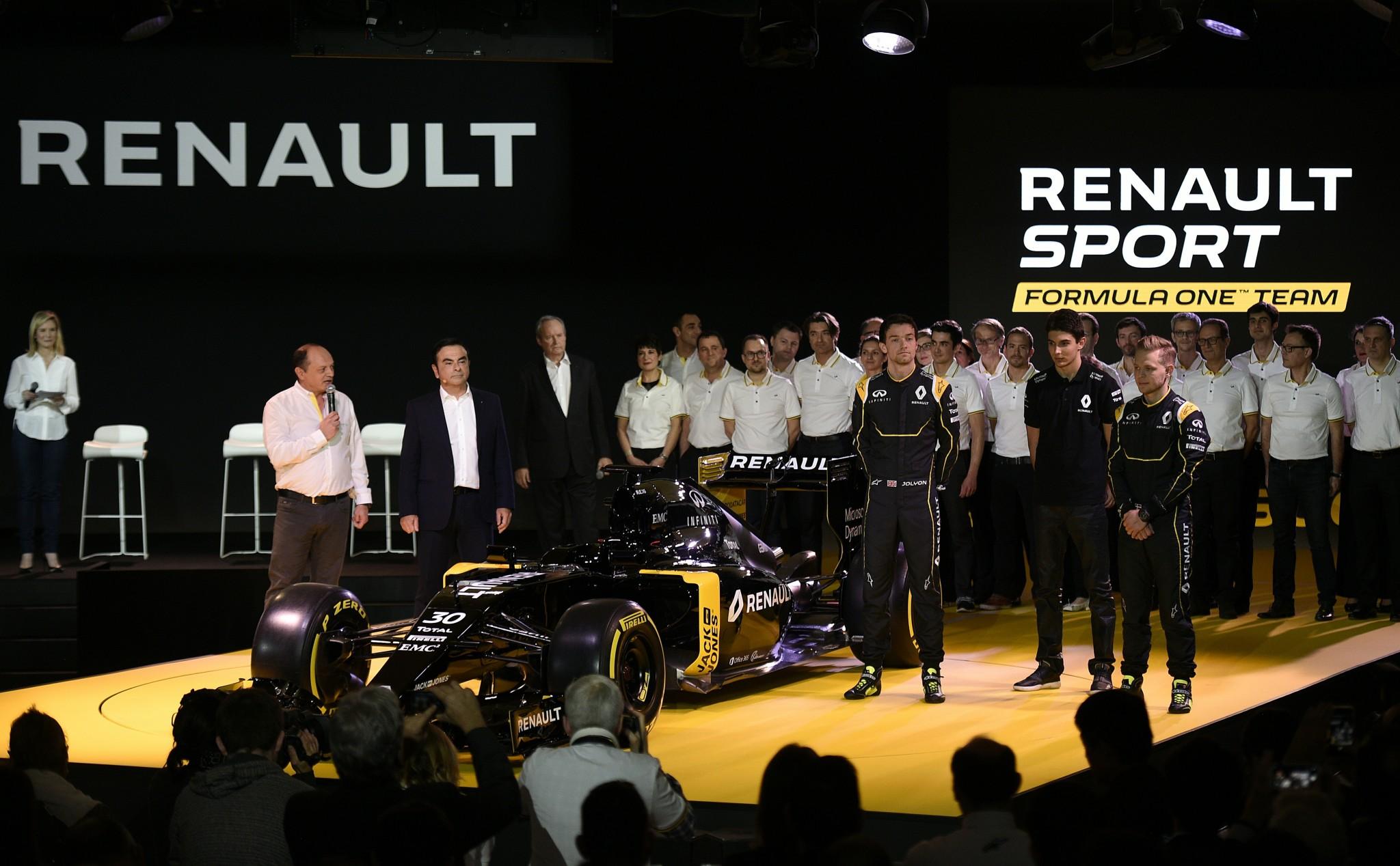 AUTO-F1-RENAULT