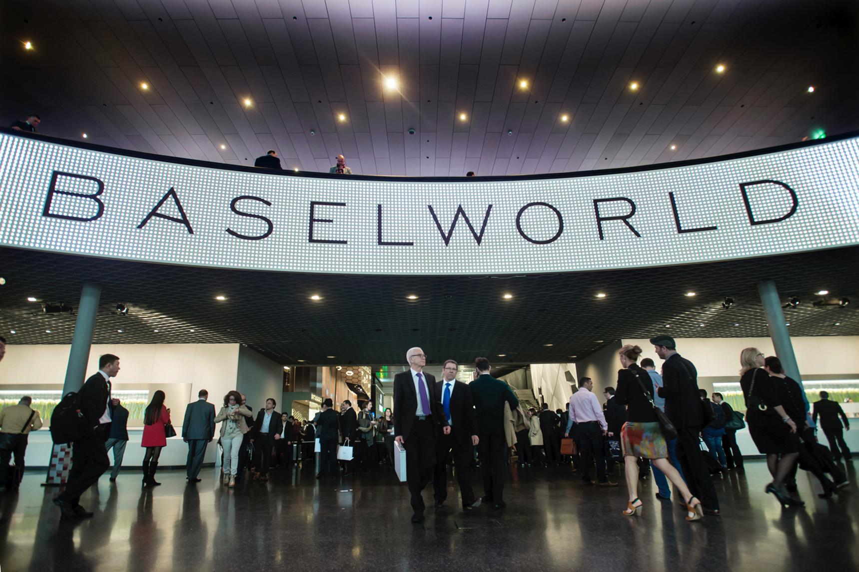 Baselworld-signage-thumb-1600×1065-24189