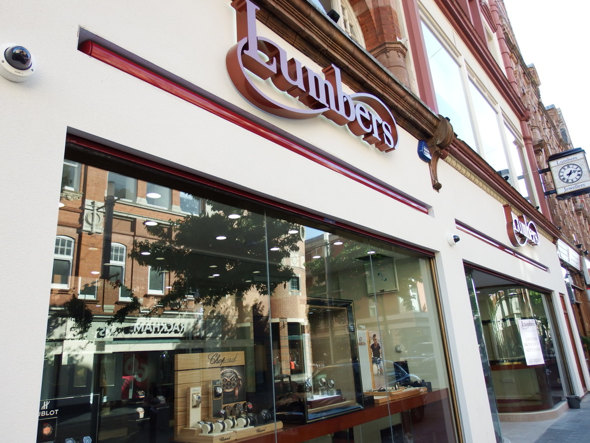 lumbers-jewellers-exterior