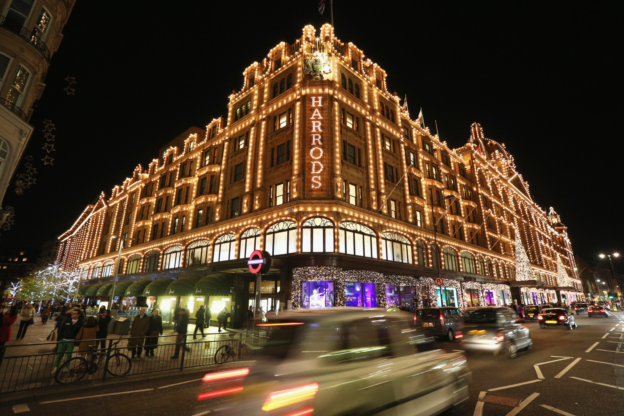 London's Department Stores And Their Christmas Windows