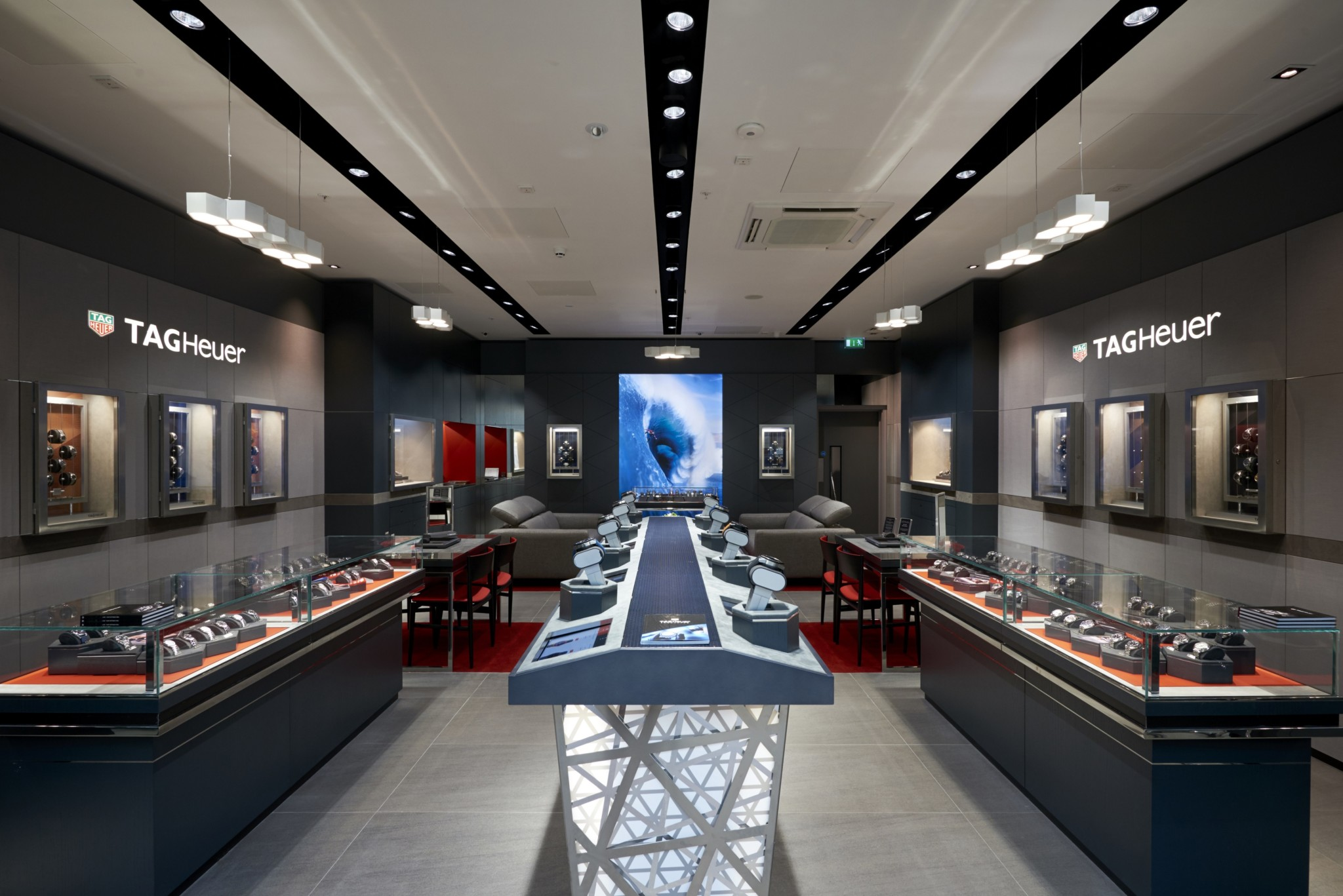 The brand new TAG Heuer boutique in Meadowhall (2)