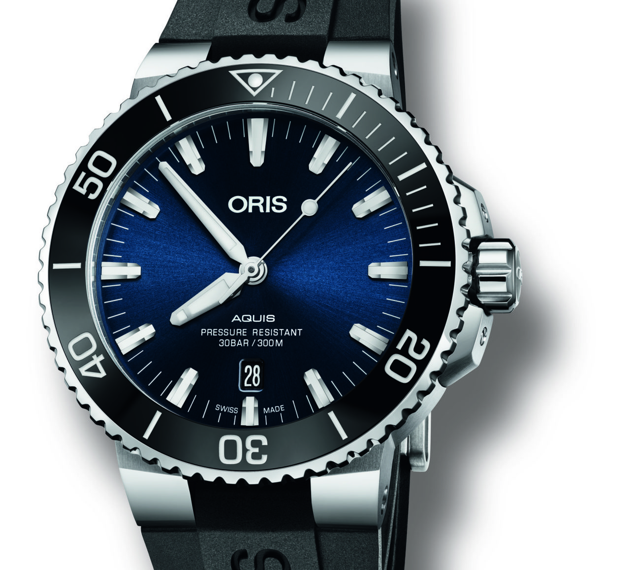 The 2017 Oris Aquis Date delivers practical enhancements with its uni-directional bezel now easier to grip thanks to a small gap introduced between the case and the body, allowing greater purchase.