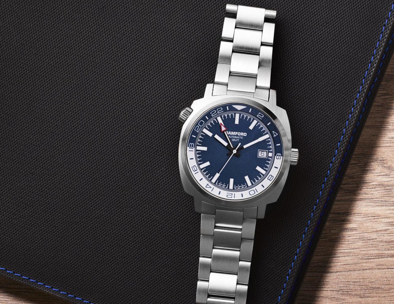 Bamford_GMT_Steel_BlueWhite_Bracelet_Lifestyle