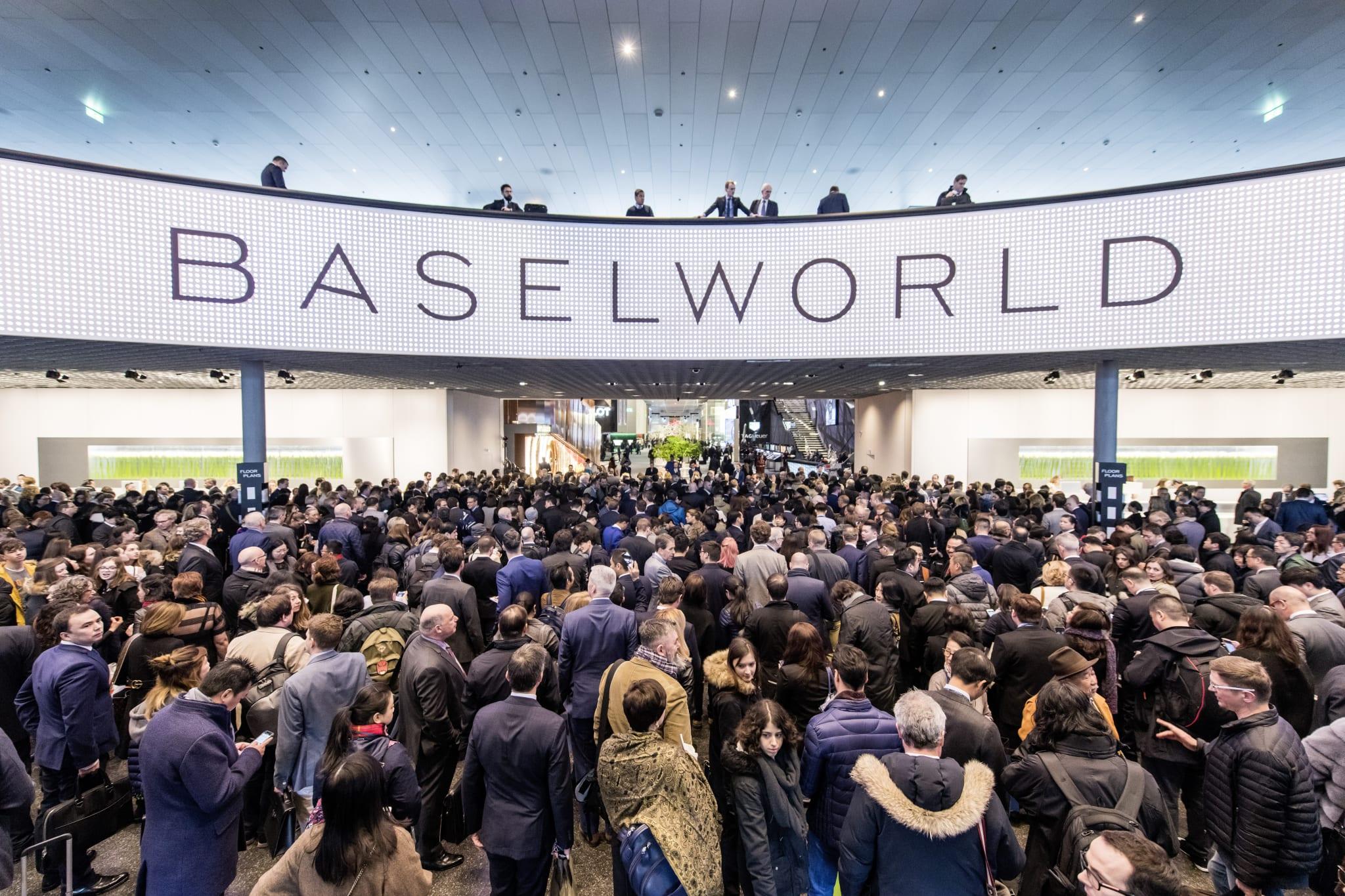 Baselworld crowd