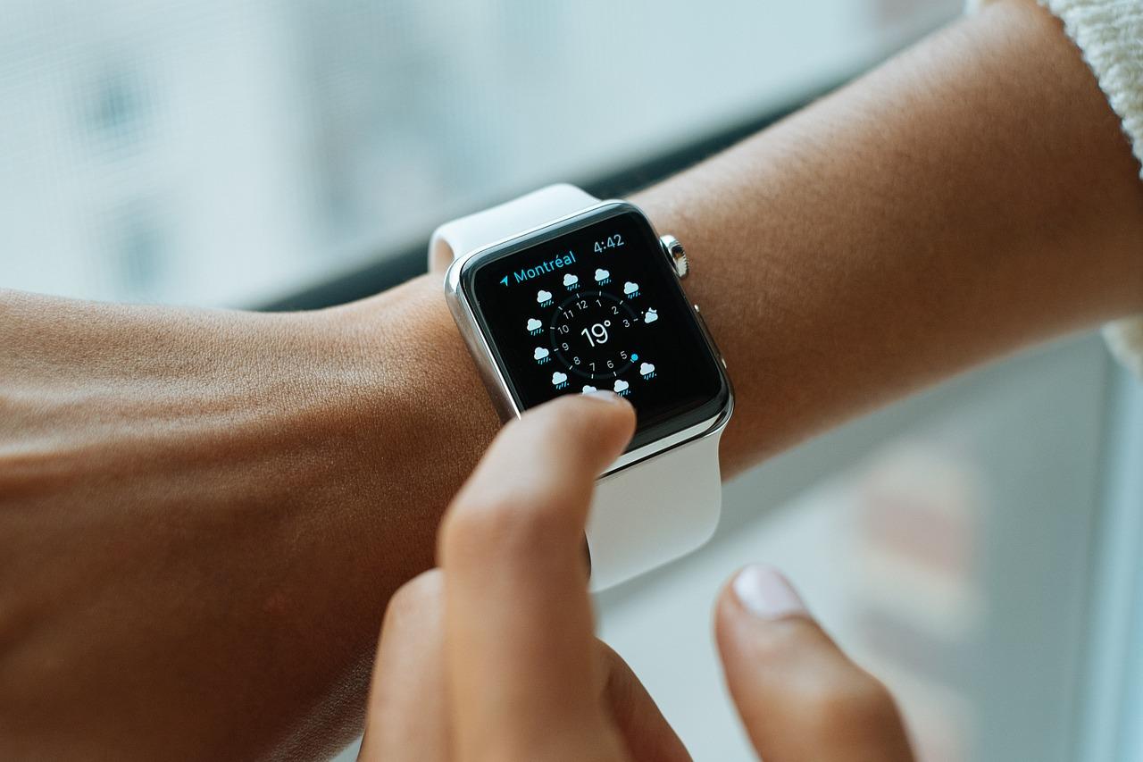 smart-watch-821557_1280