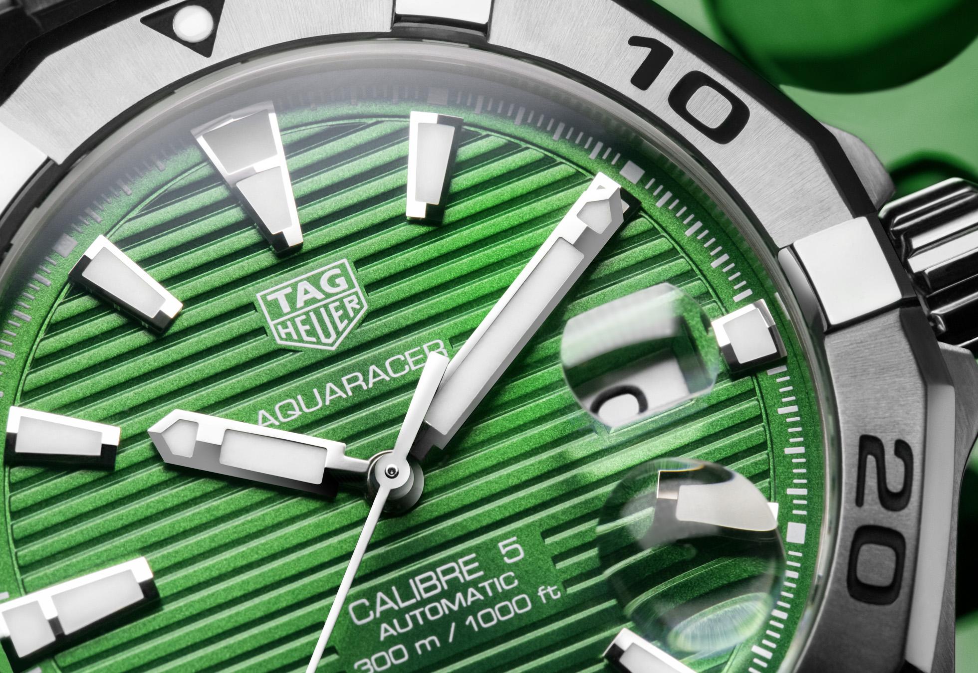 TAG Heuer Aquaracer Green close