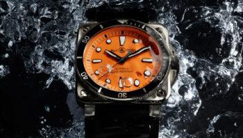 K10-01-BR03-diver-orange-fond-eau