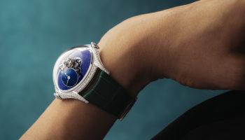 MBandF_LM-Flying-T_Lapis-Lazuli_Wristshot3_preview